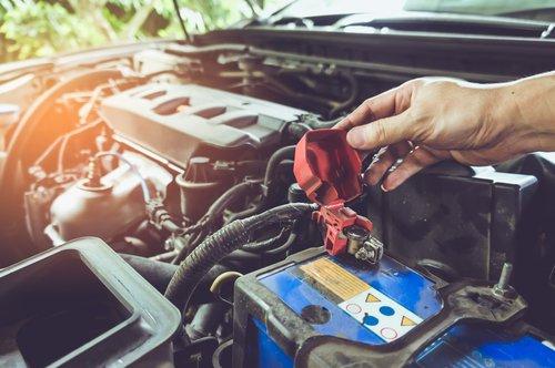 Confinement : attention à la batterie de votre voiture